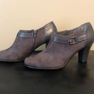 Aerosoles Heelrest shoes size 9M